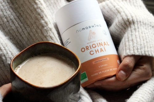 Preparation latte Original Chai BIO_sans gluten_NuMORNING_Madame Gaspard